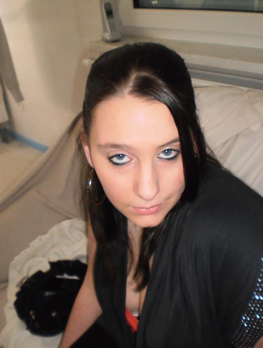 Photo de Hellocoquine53 (une femme - Laval 53000)
