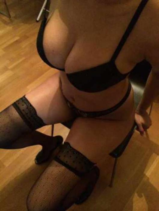 Femme bi pour de nouvelles rencontres et sensations