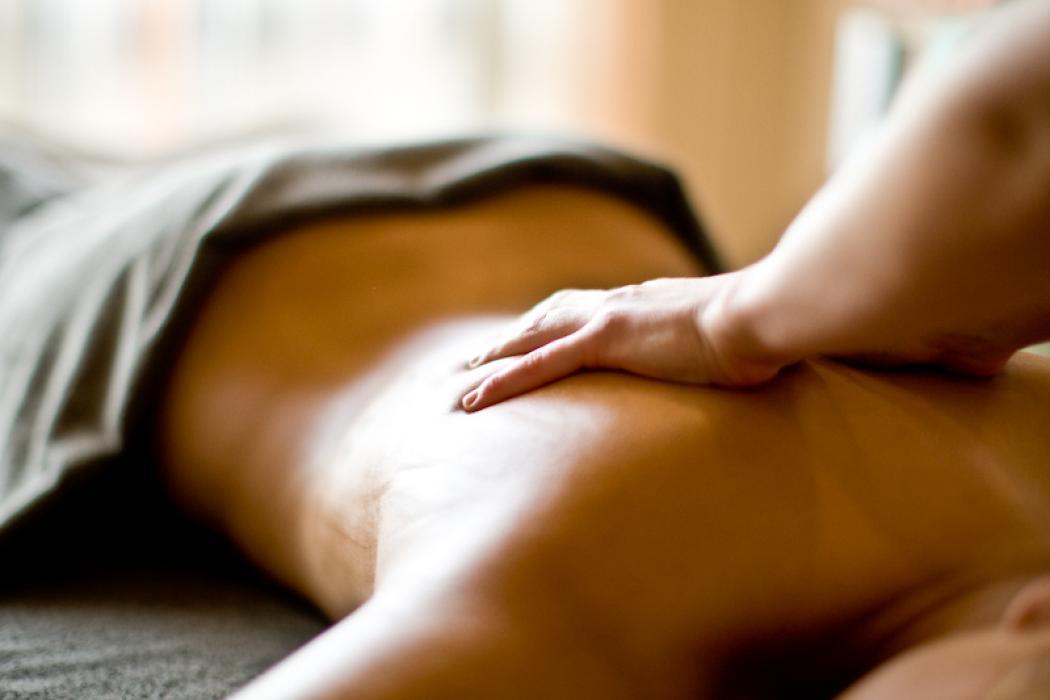 Linni meister naked sensuell massasje