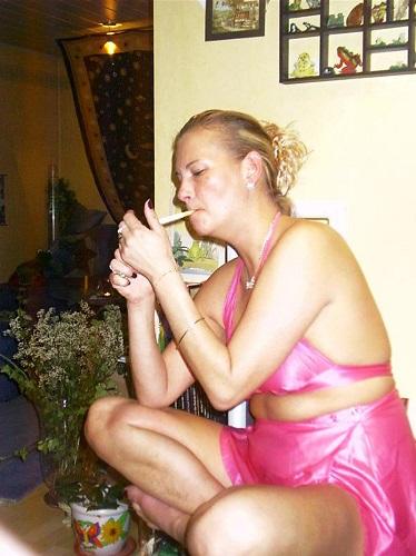 Photo de Femme mûre toujours dispo apéro/baise (une femme - Cherbourg-Octeville 50100)