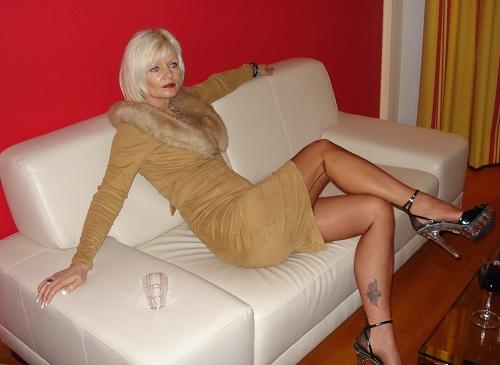Photo de Elégante et vicieuse pour féminiser JH (une femme - Niort 79000)