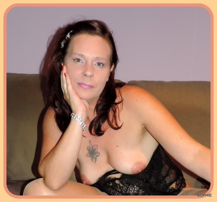 Couple cherche femme pour menage [PUNIQRANDLINE-(au-dating-names.txt) 62